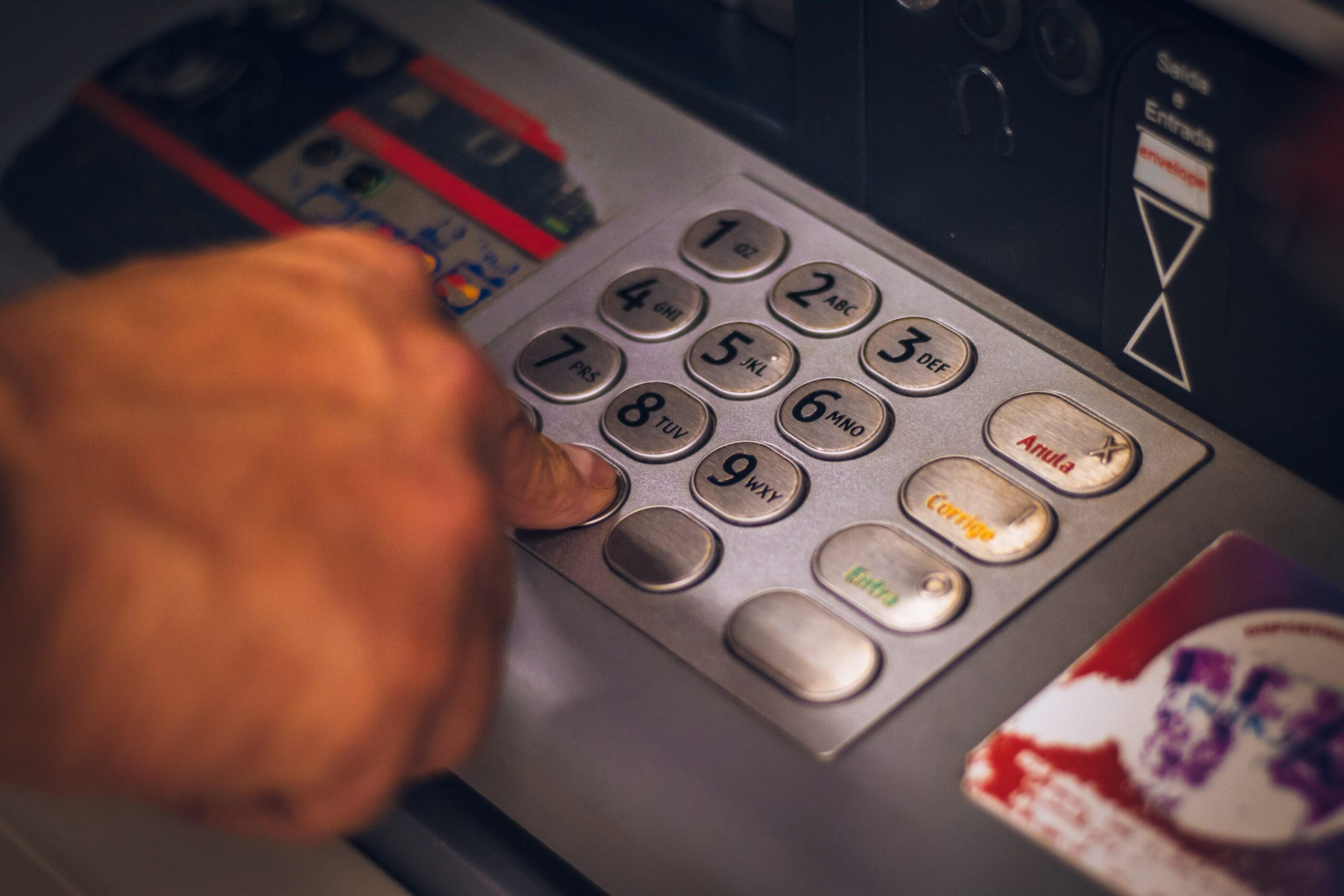 Man in the middle attack, atm hacking